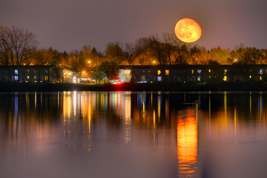 Montanus Photography Incredible Moon Rise Pictures