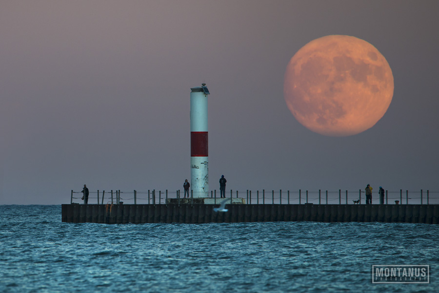 Montanus Photography Incredible Moonrise Photos