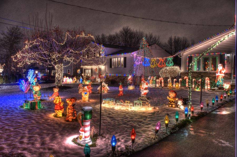christmas lights on rahway road in gates new york near rochester